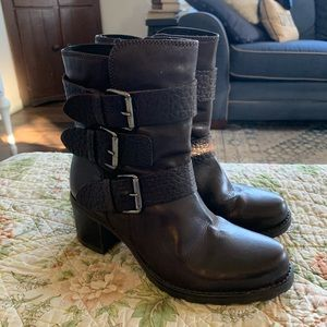 Clarks brown leather ankle boots size 7